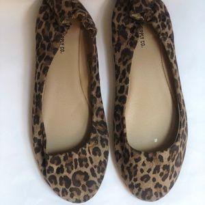 Mossimo Supply Co. cheetah print flats (size 9)